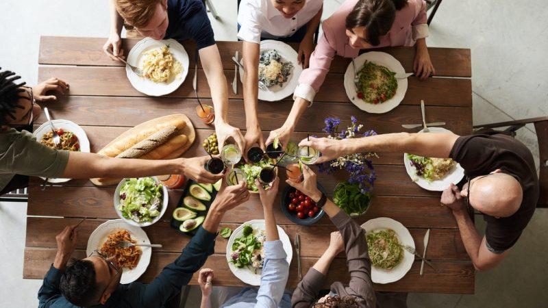 Stylizacje na przyjęcia i imprezy - praktyczne porady